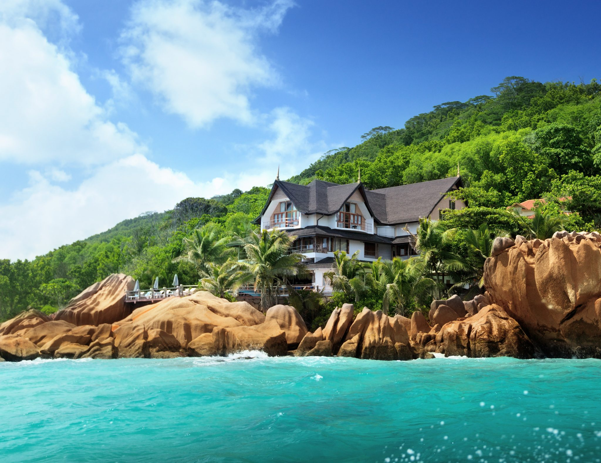 5 Places to Experience 'Another World' in the Seychelles